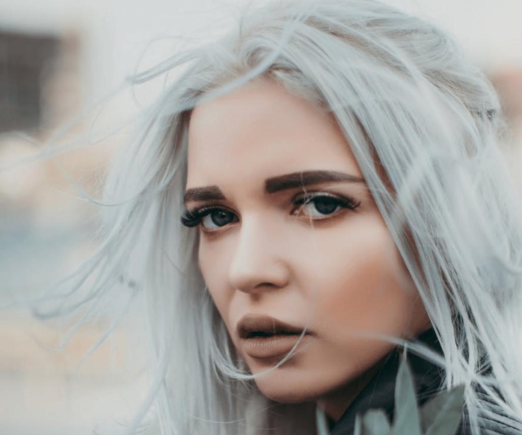 silver hair winter trend verde salon spa virginia beach